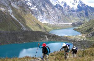 Trekking pela Cordillera Blanca, na região de Huaraz no Peru.